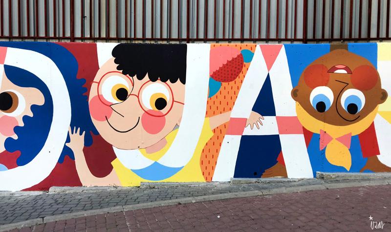 mural izas azulpatio ceip eduardo rojo fachada detalle 15