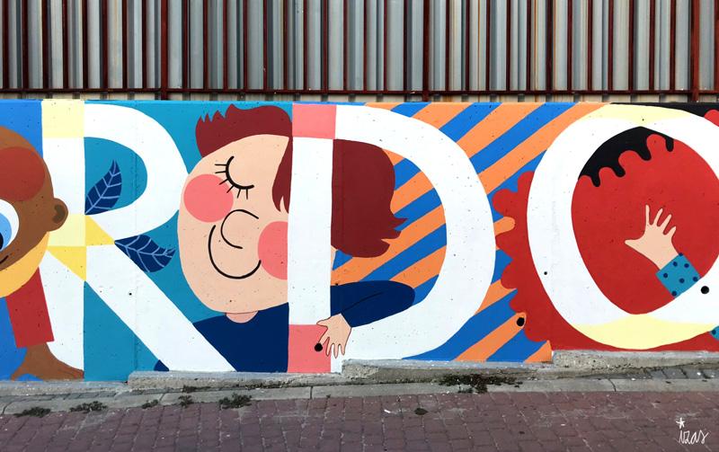 mural izas azulpatio ceip eduardo rojo fachada detalle 16