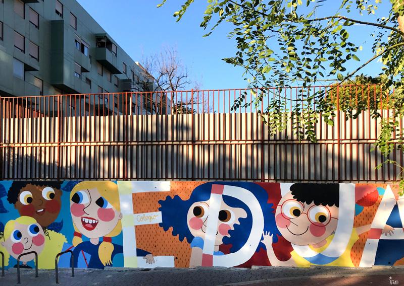 mural izas azulpatio ceip eduardo rojo fachada frente 1