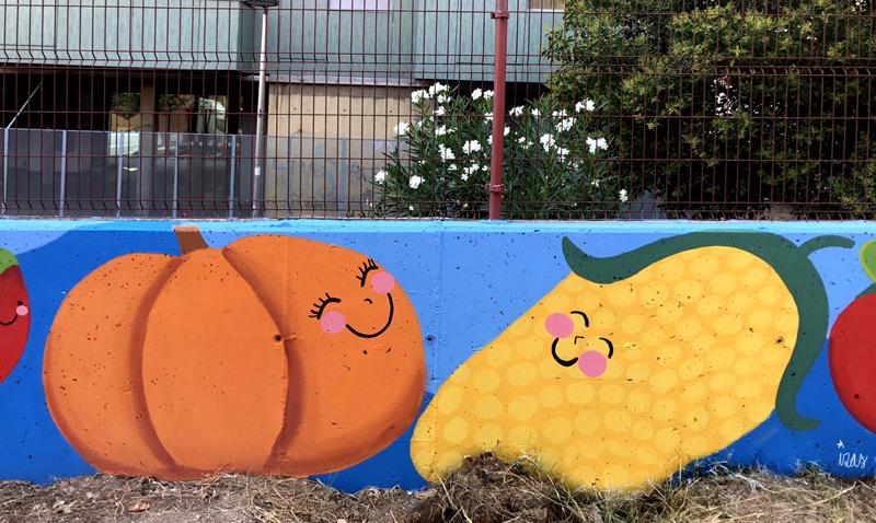 mural izas azulpatio ceip eduardo rojo huerto calabaza