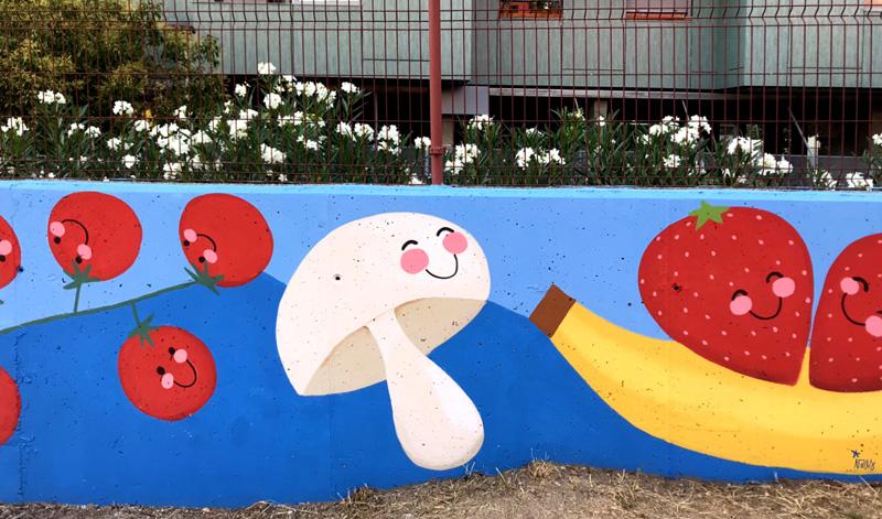 mural izas azulpatio ceip eduardo rojo huerto champiñón