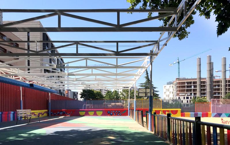 mural izas azulpatio ceip eduardo rojo infantil 1