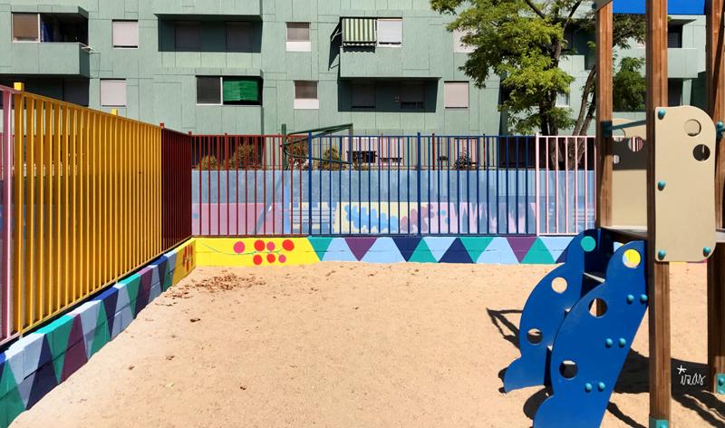 mural izas azulpatio ceip eduardo rojo infantil 5