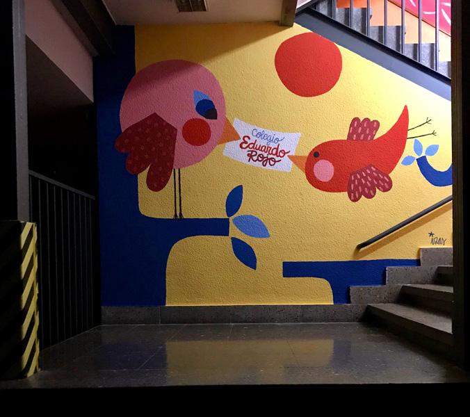 mural izas azulpatio ceip eduardo rojo interior