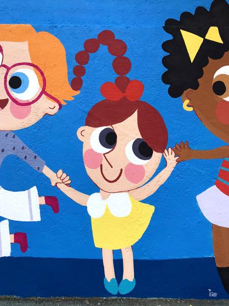 mural izas azulpatio ceip eduardo rojo niños detalle 10