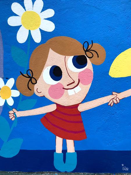 mural izas azulpatio ceip eduardo rojo niños detalle 13