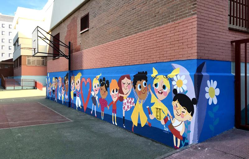 mural izas azulpatio ceip eduardo rojo niños lat dcha