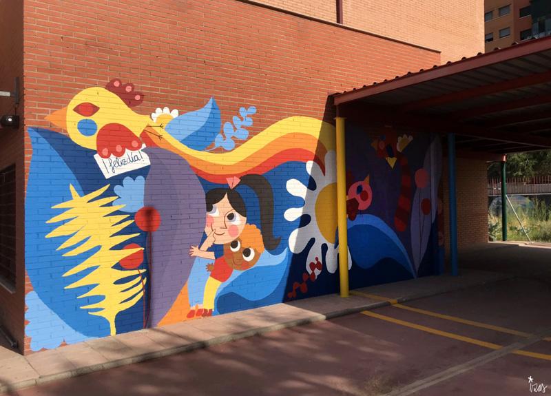 mural izas azulpatio ceip loyola de palacio infantil izq