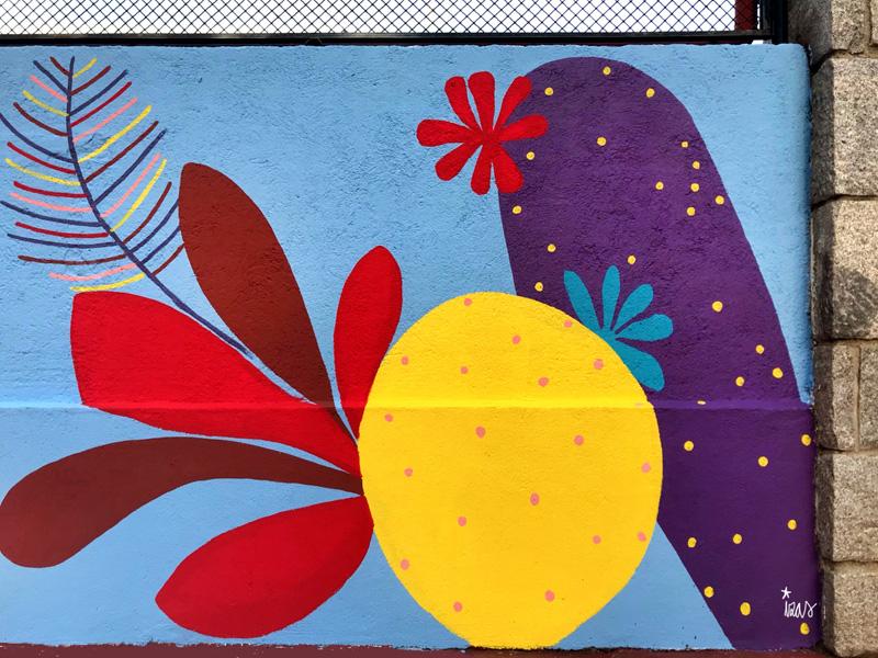 mural izas azulpatio ceip asunción rincón este 10