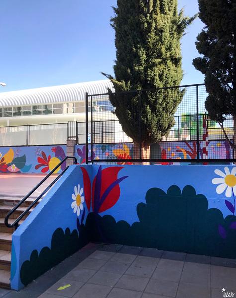 mural izas azulpatio ceip asunción rincón este 17
