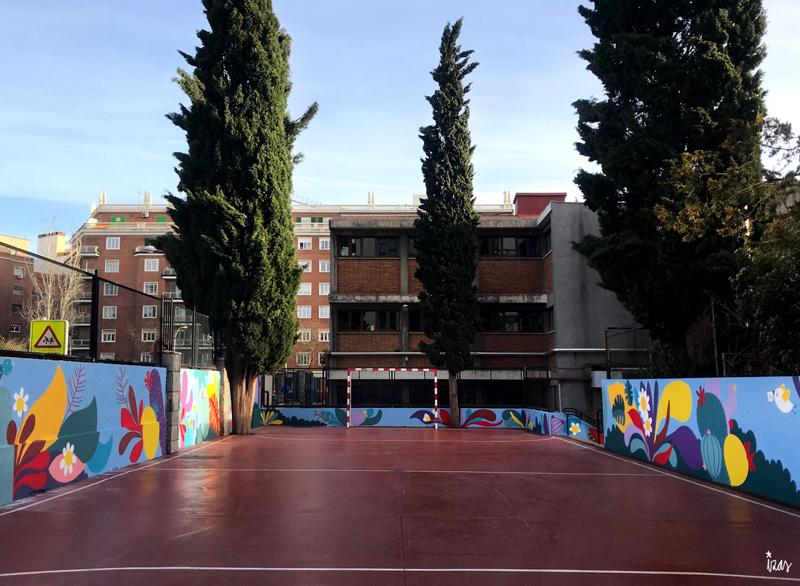 mural izas azulpatio ceip asunción rincón sur 1