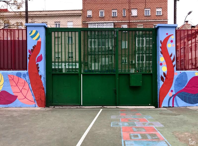 mural izas azulpatio ceip juan ramón jiménez centro