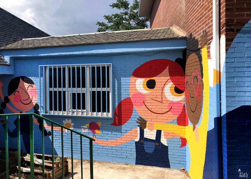 mural izas azulpatio ceip virgen de la paz 1
