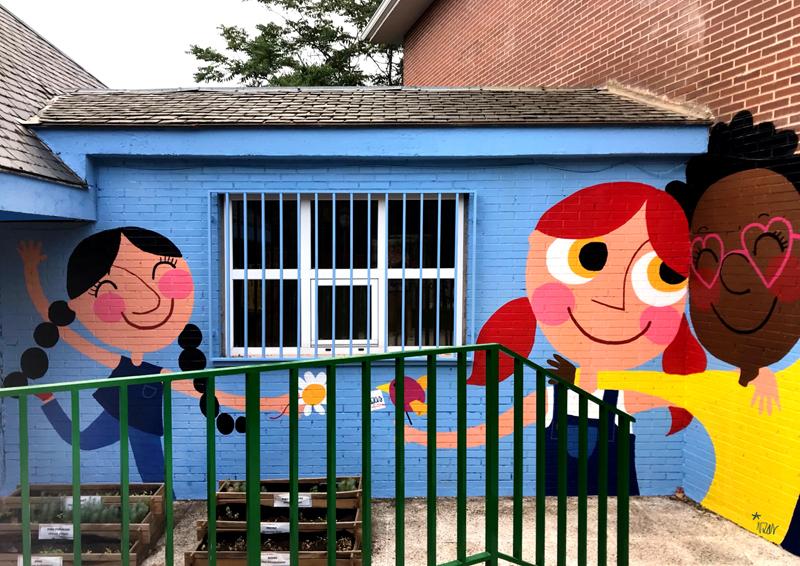 mural izas azulpatio ceip virgen de la paz 2