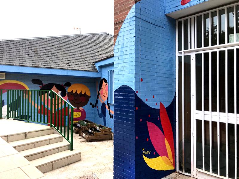 mural izas azulpatio ceip virgen de la paz 3