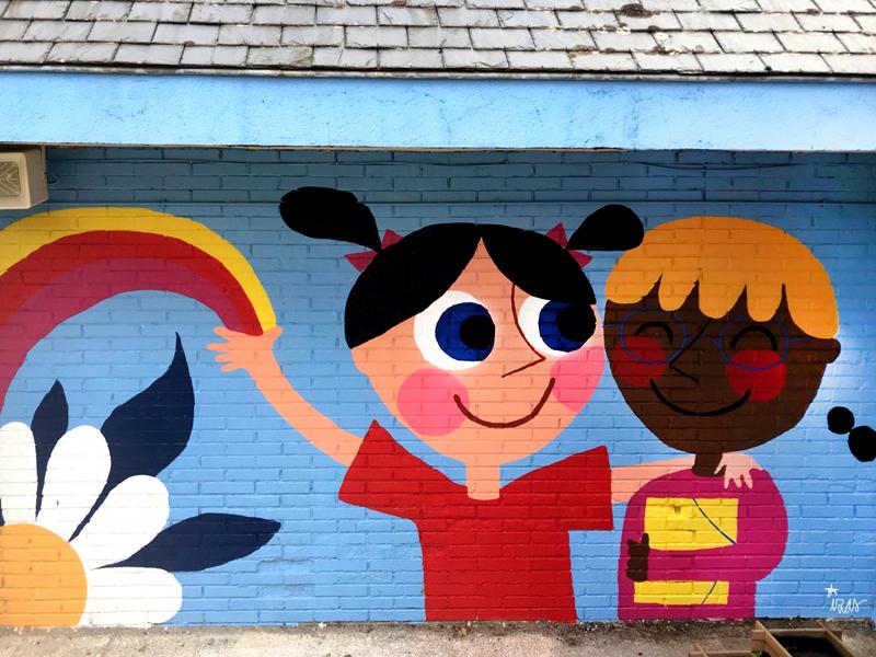 mural izas azulpatio ceip virgen de la paz 6