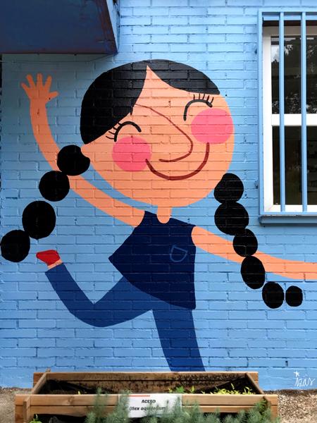 mural izas azulpatio ceip virgen de la paz detalle 3