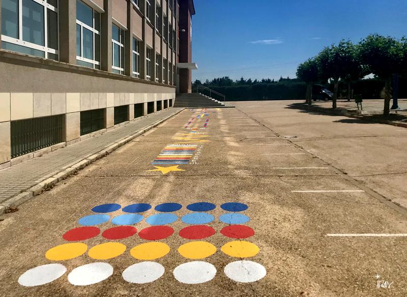 mural izas azulpatio colegio ave maría circuito izq