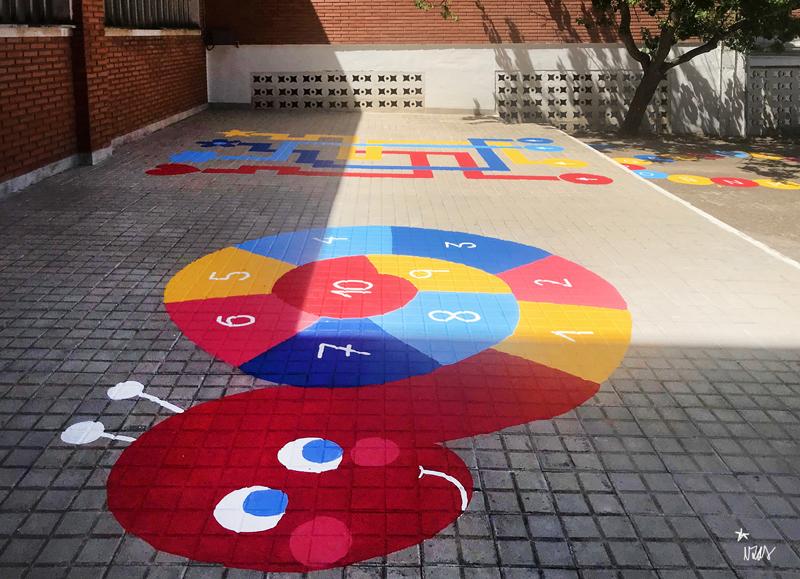 mural izas azulpatio colegio ave maría pano 1