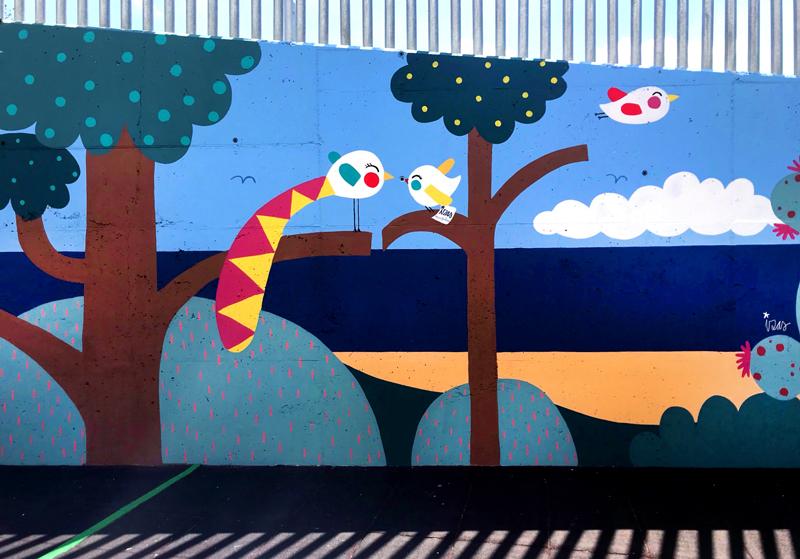 mural izas azulpatio colegio maria teresa detalle 2