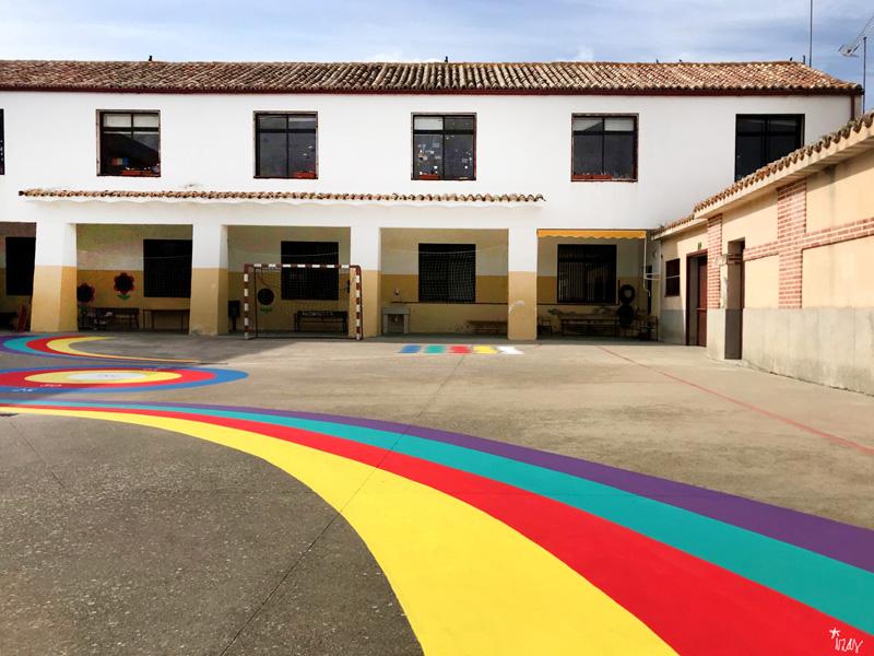 mural izas azulpatio cpee la quinta patio inferior arcoiris 1