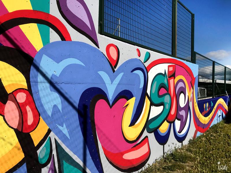 mural izas azulpatio cpee monte abantos música 3